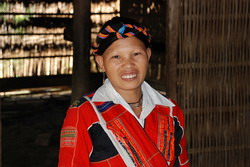 minority in hagiang, lady in traditional outfit, pa then lady, traditional costume